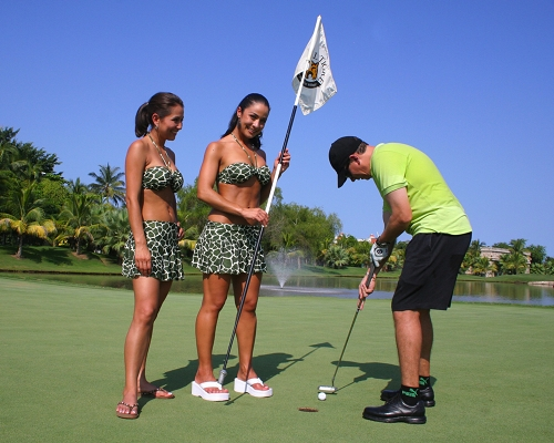 how to become a caddy at a golf course