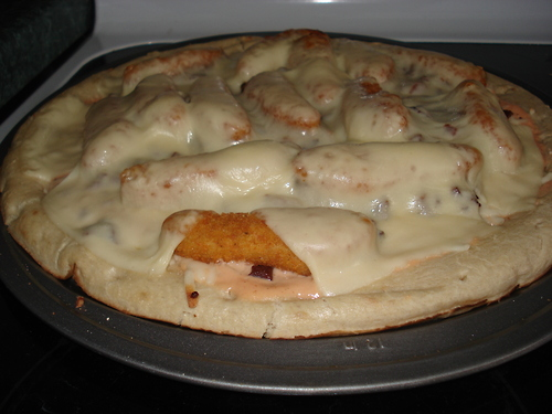chicken finger bacon pizza