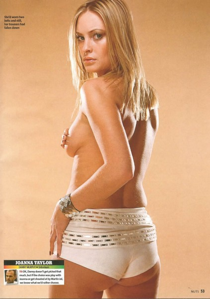 100_hot_footballers_wives_17[1]