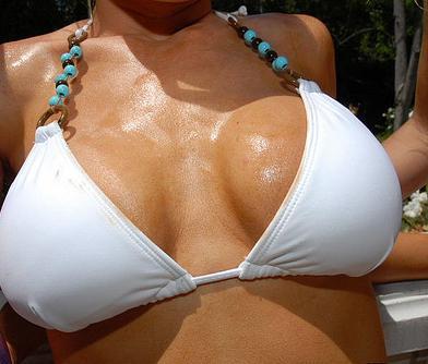 bikini_boobs