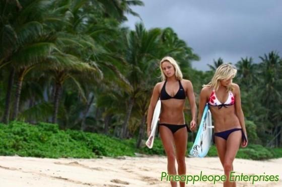 surfer-babes[1]
